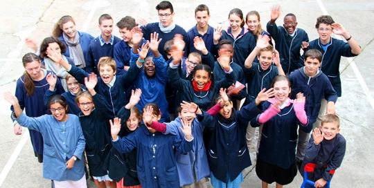 Collège hors contrat Paris : photo de classe