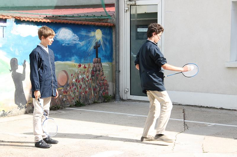 Collège Val de Marne : séance de badminton